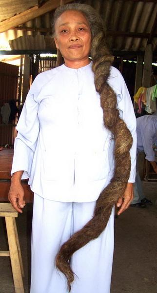 Ngỡ ngàng những mái tóc kỳ dị nhất Việt Nam 10