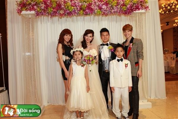 Những đám cưới hoành tráng của các hot girl Việt 45