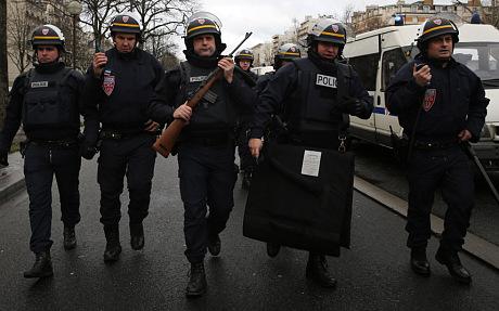 Thủ phạm thảm sát tòa soạn báo và kẻ bắt giữ con tin cùng bị tiêu diệt 7