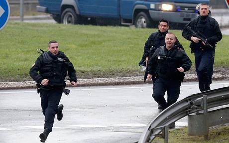 Thủ phạm thảm sát tòa soạn báo và kẻ bắt giữ con tin cùng bị tiêu diệt 26