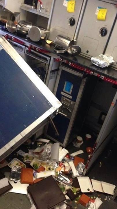 Máy bay Vietnam Airlines gặp sự cố rơi tự do hơn 100m 1
