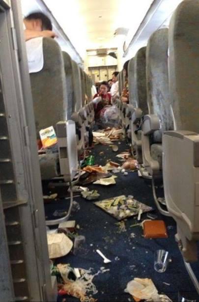 Máy bay Vietnam Airlines gặp sự cố rơi tự do hơn 100m 2