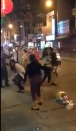 Đánh ghen túi bụi trên phố lớn ở Hà Nội 1