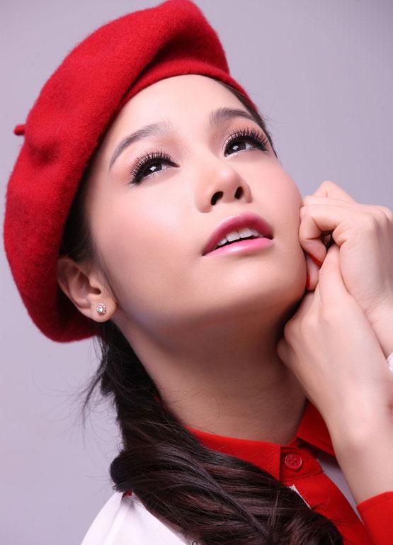 """Nhật Kim Anh – Từ 'vịt con xấu xí"""" thành """"thiên nga lộng lẫy"""" 12"""