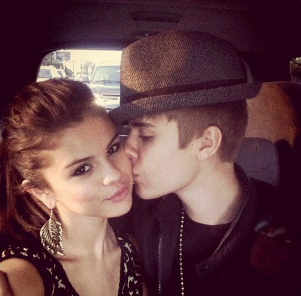 10 điều ngọt ngào nhất Justin Bieber làm cho Selena Gomez 4