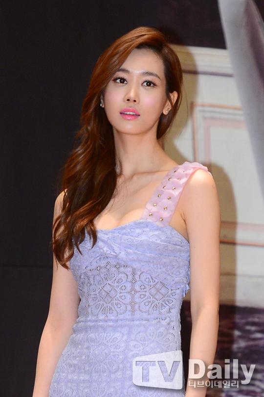 Lee Da Hae phủ nhận chuyện làm bản sao Chun Song Yi 1