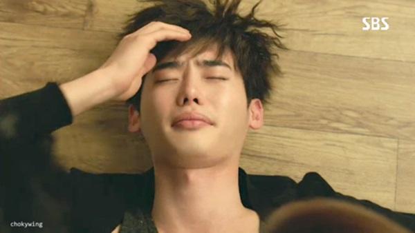 """Kang Sora hoảng hốt vì suýt """"khóa môi"""" với Lee Jong Suk 4"""