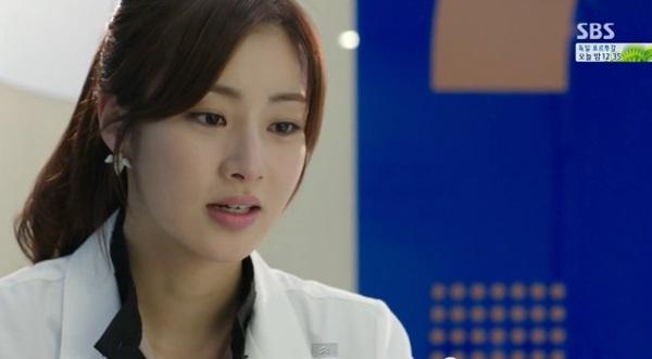 Soo Hyun (Kang Sora) khóc nức nở vì phải lòng Park Hoon (Lee Jong Suk) 1