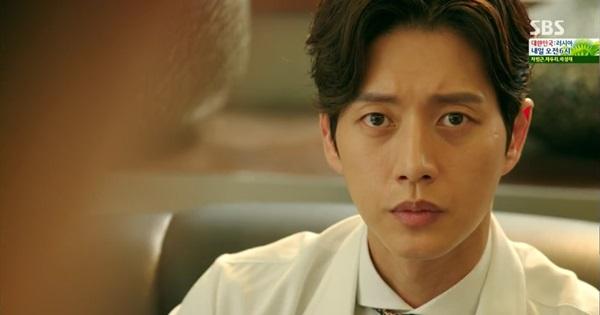 Park Hoon (Lee Jong Suk) dọa đập nát tay trước mặt người yêu 6