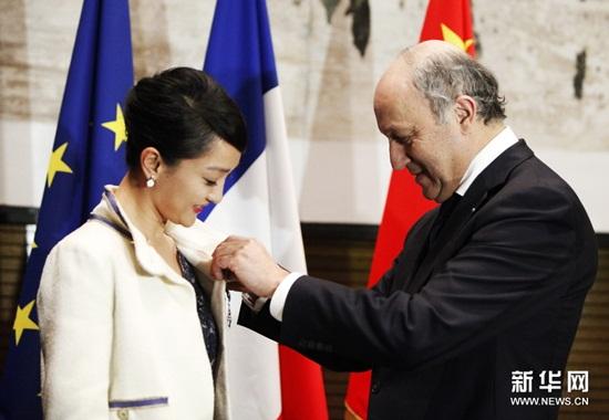 Châu Tấn nhận tước Hiệp sĩ về Văn Hoá và Nghệ Thuật của Pháp 1