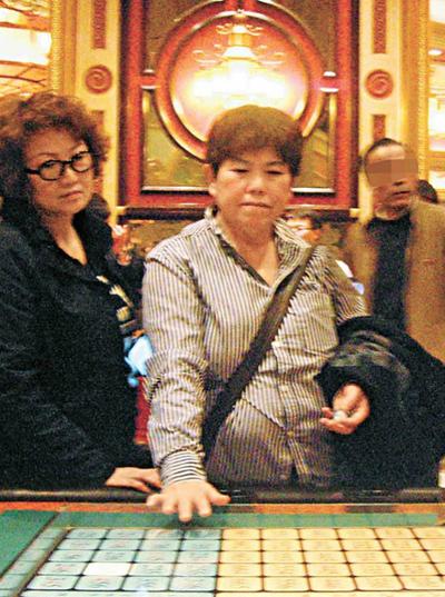 Những nghệ sĩ châu Á lao đao vì scandal của người thân 8