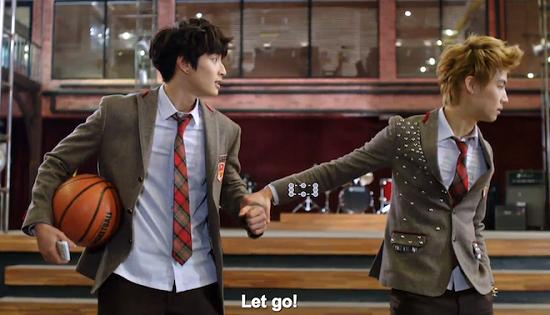 """9 kiểu nắm cổ tay """"thể nào cũng gặp"""" trong phim Hàn 7"""