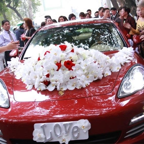 Tròn mắt trước dàn siêu xe rước dâu hoành tráng của đám cưới sao Việt 32