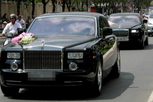 Tròn mắt trước dàn siêu xe rước dâu hoành tráng của đám cưới sao Việt 27