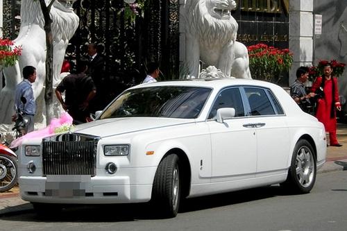 Tròn mắt trước dàn siêu xe rước dâu hoành tráng của đám cưới sao Việt 28