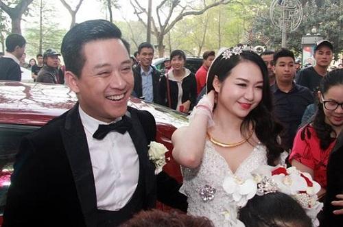 Tròn mắt trước dàn siêu xe rước dâu hoành tráng của đám cưới sao Việt 31