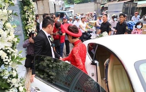 Tròn mắt trước dàn siêu xe rước dâu hoành tráng của đám cưới sao Việt 24
