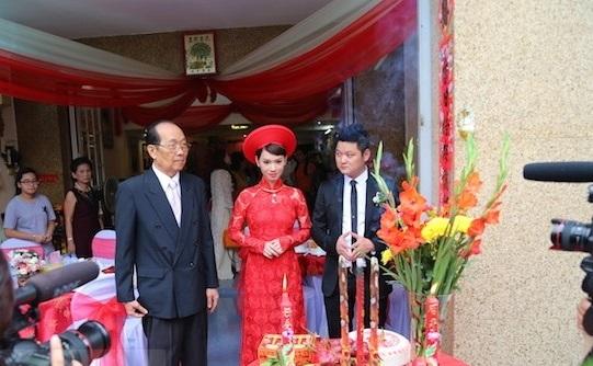 Tròn mắt trước dàn siêu xe rước dâu hoành tráng của đám cưới sao Việt 18