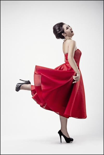 """Những sao nữ """"nặng ký"""" duyên dáng của showbiz Việt 18"""