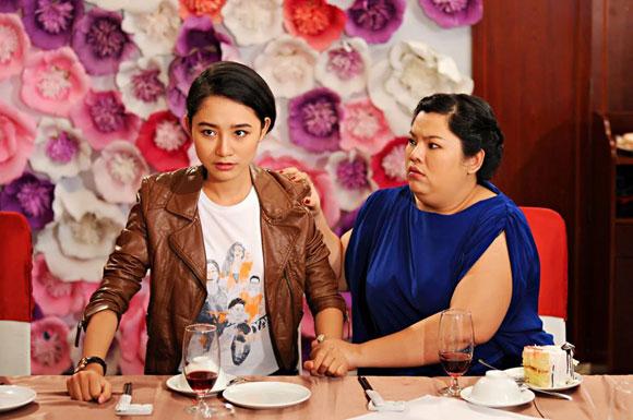 """Những sao nữ """"nặng ký"""" duyên dáng của showbiz Việt 13"""