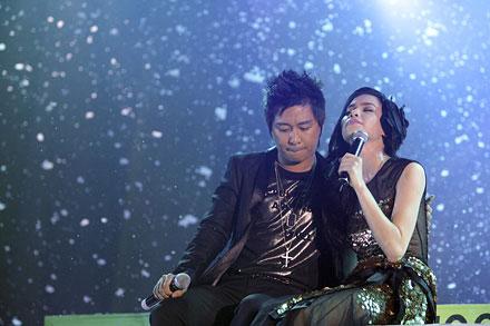 """Những cặp đôi """"chia tay vẫn làm bạn"""" của showbiz Việt 4"""