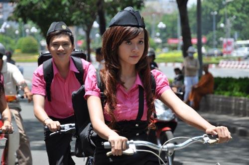 """Hot girl tuổi Tỵ từng """"gây bão"""" màn ảnh Việt 1"""