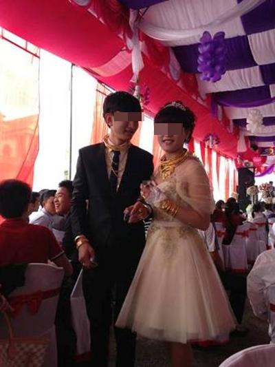 Cô dâu chú rể đeo đầy vàng trong đám cưới ở Hà Tĩnh  6