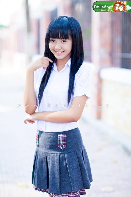 Ngắm hot girl Việt mặc đồng phục giản dị nhưng vẫn cực xinh 20