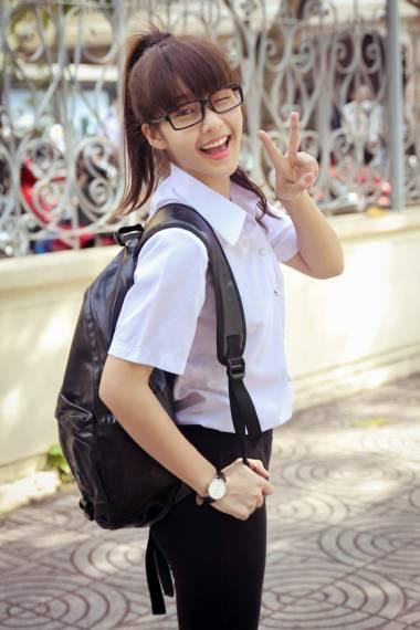 Ngắm hot girl Việt mặc đồng phục giản dị nhưng vẫn cực xinh 9