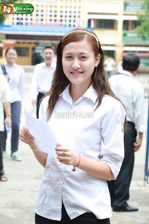 Ngắm hot girl Việt mặc đồng phục giản dị nhưng vẫn cực xinh 27