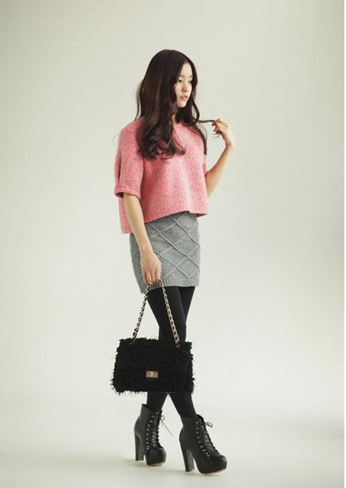 Dạo phố trendy với váy len ngọt ngào  16