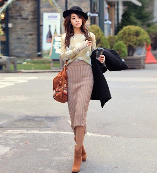 Chân váy len ôm sát cơ thể phù hợp với mọi vóc dáng