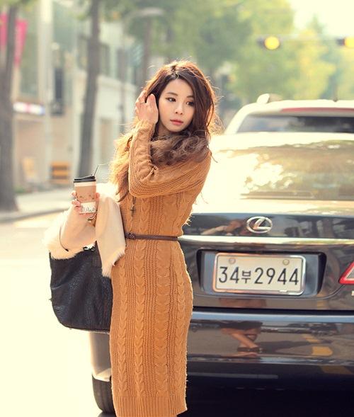 Dạo phố trendy với váy len ngọt ngào  7