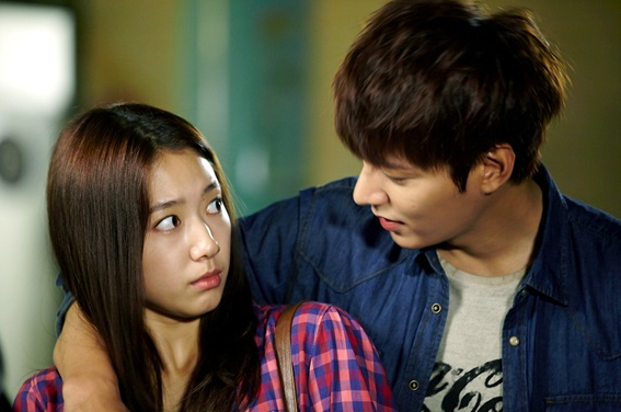 """Nếu Park Shin Hye làm """"em gái đẹp trai"""" của Lee Min Ho 2"""