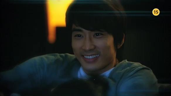 """Song Seung Hun """"sướng rơn"""" vì được người đẹp nhào vào lòng 5"""