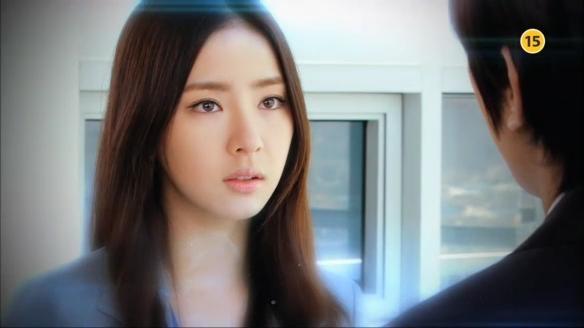 """Song Seung Hun """"sướng rơn"""" vì được người đẹp nhào vào lòng 7"""