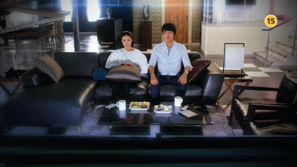 """Song Seung Hun """"sướng rơn"""" vì được người đẹp nhào vào lòng 2"""