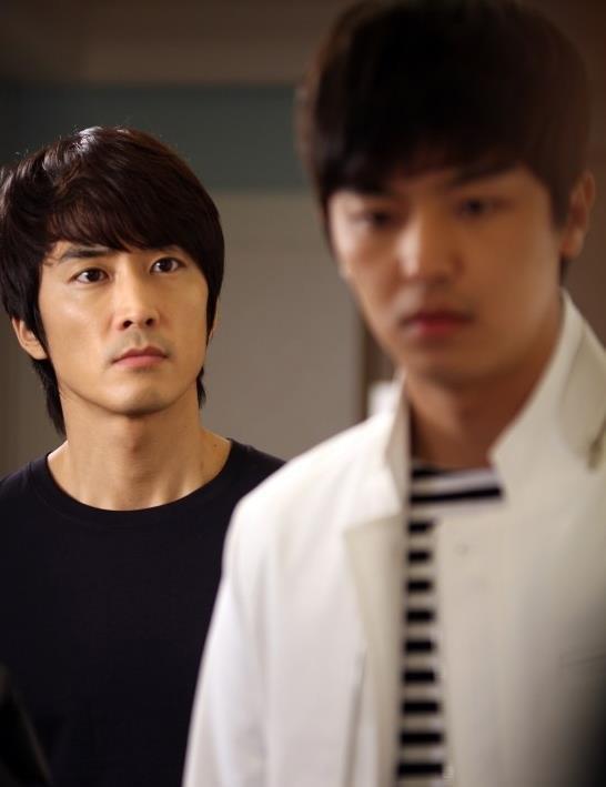 """Song Seung Hun nhí nhố dọa """"xử"""" Shin Se Kyung 8"""