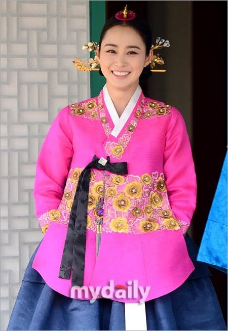 """Kim Tae Hee từng """"muốn chết vì tổn thương lòng tự trọng"""" 6"""