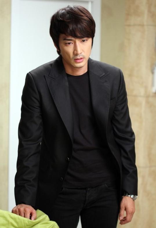 Tae Sang (Seung Hun) bị nghi sát hại anh trai tình địch 1