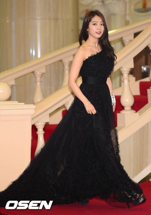 Park Shin Hye: Nữ hoàng tương lai của màn ảnh châu Á 18