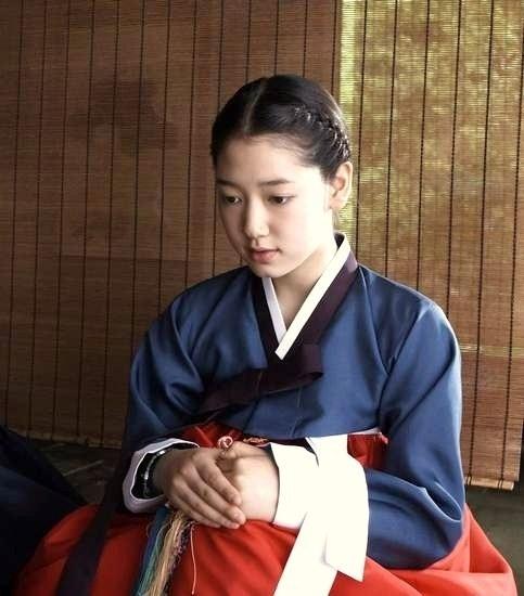 Tìm ra tình địch màn ảnh đáng gờm của Park Shin Hye 1