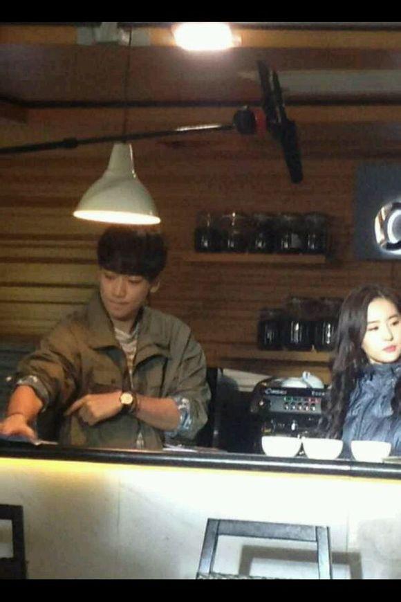 Bi (Rain) tiếp cận Lưu Diệc Phi trong quán cafe 1