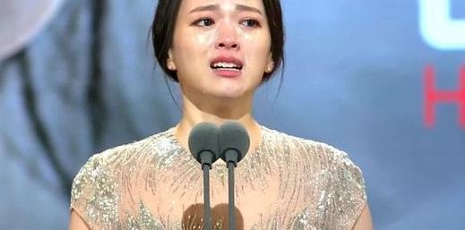 Vượt mặt nhiều tên tuổi, Park Yoo Chun lên ngôi tại Rồng Xanh 2014 4