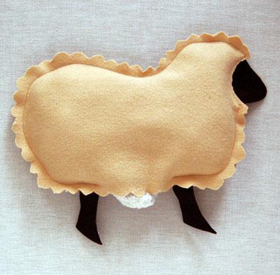 Gối ôm cừu bông vừa đẹp vừa êm 6