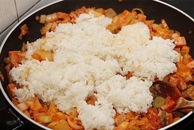 Cơm chiên kimchi cay ngon hấp dẫn 4