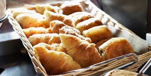 Kết quả hình ảnh cho bánh Croissant pháp