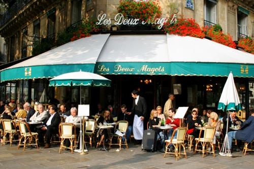 Trải nghiệm cảm giác lãng mạn của cafe đường phố Paris 1