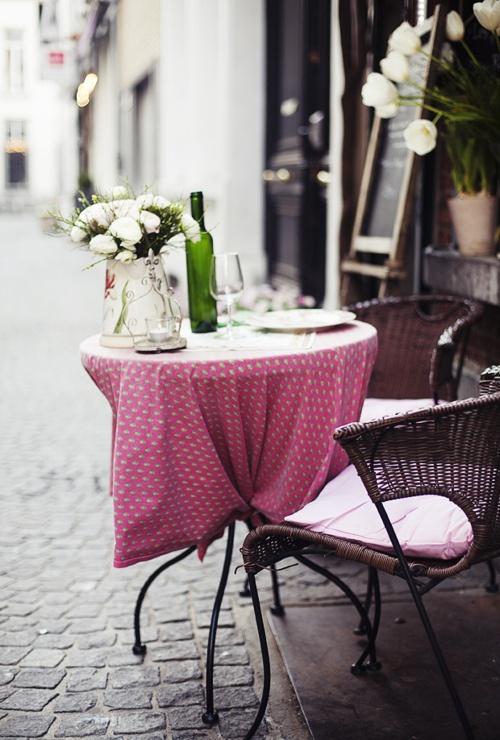 Trải nghiệm cảm giác lãng mạn của cafe đường phố Paris 2