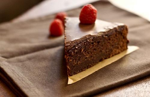 """Sachertorte – Chiếc bánh chocolate dòng """"quý tộc"""" của nước Áo 2"""